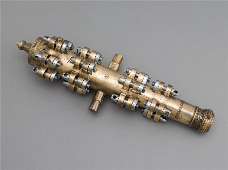 """""""Le Commode"""", modèle prototype de canon démontable en 5 tronçons (échelle 1/6e)"""