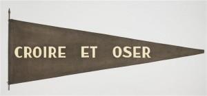 Fanion perso colonel Marcel Bigeard Croire et Oser 300x140 Récentes acquisitions au musée de lArmée