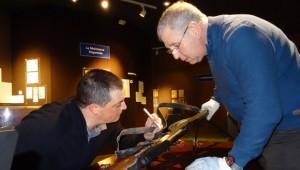 Mission d'assistance et de neutralisation d'armes par l'Adj. Laurent et le Major Van Hove, au musée de la résistance bretonne de Saint-Marcel