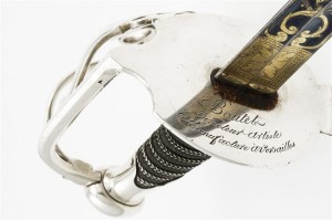 Garde de sabre d'honneur pour la cavalerie, Nicolas-Noël Boutet, Manufacture de Versailles Vers 1800 Argent, métal, galuchat © Paris - Musée de l'Armée, Dist. RMN-Grand Palais / Emilie Cambier
