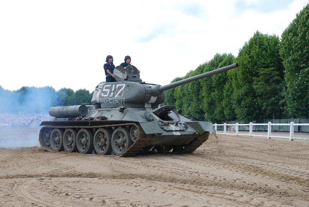 2015 12 Saumur Char moyen T34 85 Récolement aux musées militaires de Saumur