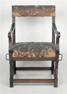 Chaise du comte de Fontaine 215x300 Participation exceptionnelle du musée de l'Armée à l'exposition Le Grand Condé. Le rival du roi Soleil ? à Chantilly
