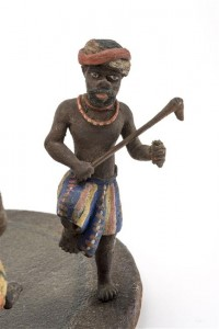 17 501928 200x300 « Et ça tournait… ». Une maquette de la danse du Pilou (Nouvelle Calédonie) au musée de l'Armée