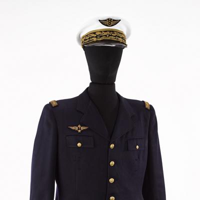 Vareuse et casquette du général d'armée aérienne Martial Valin